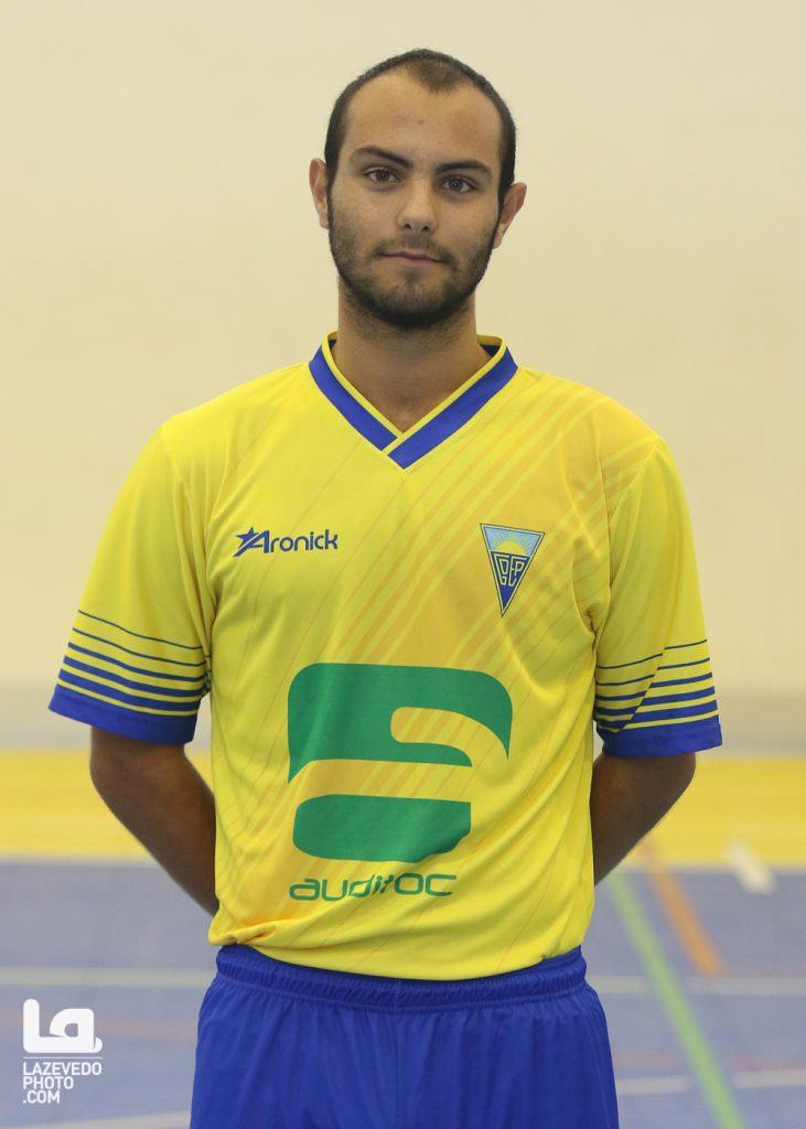 11 – André Santos